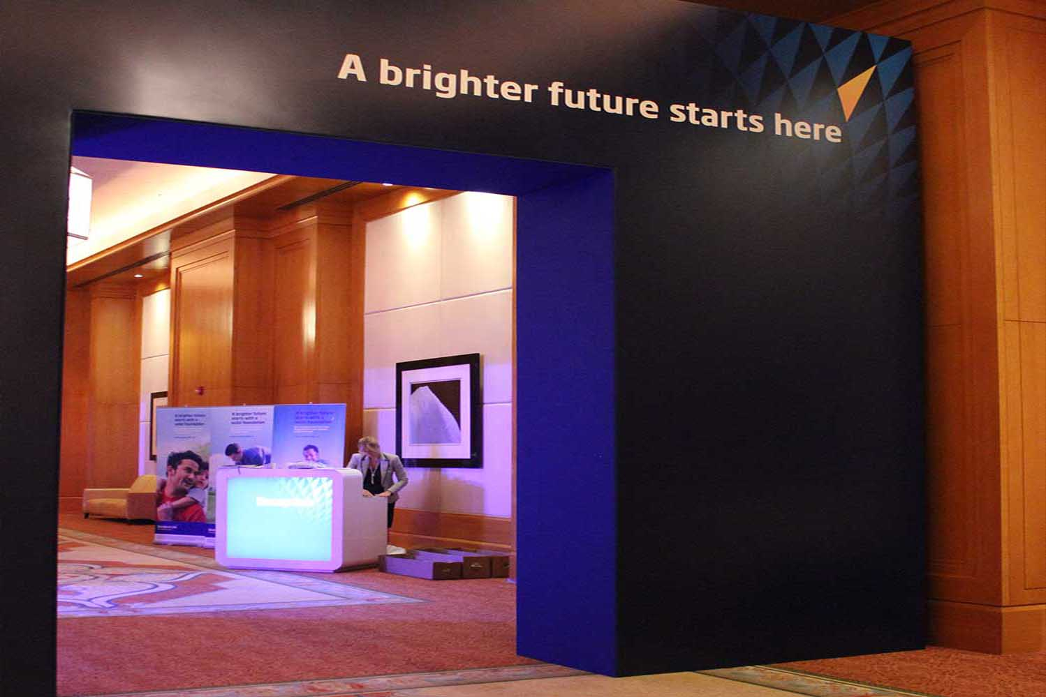 Branded-archway-at-insurance-launch-event-dubai Standard Life